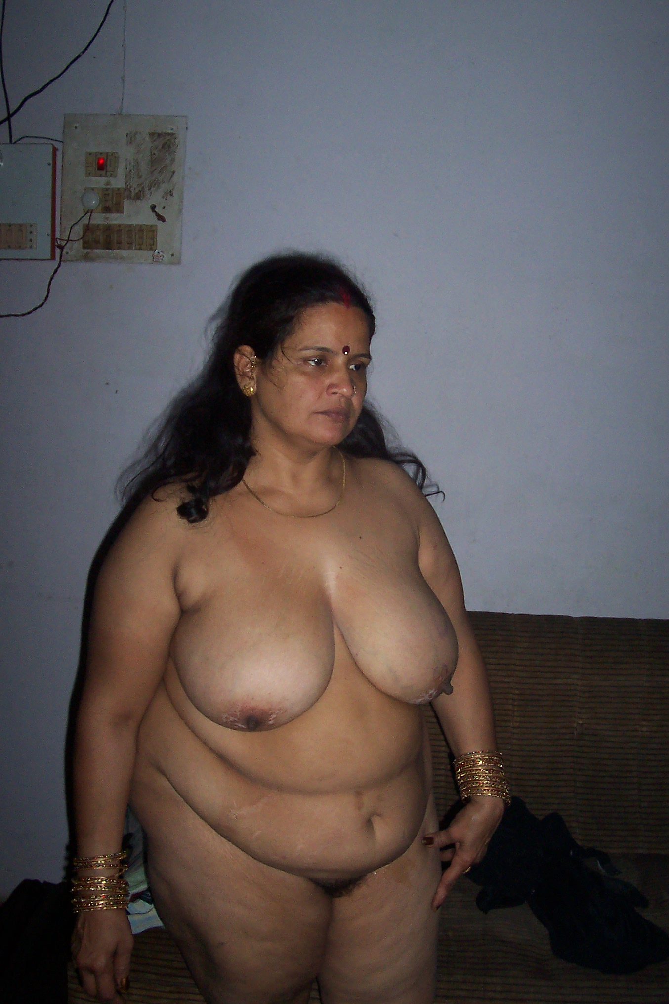 Xxx indian fat nude girls photo